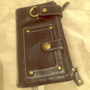 Black compact leather wallet